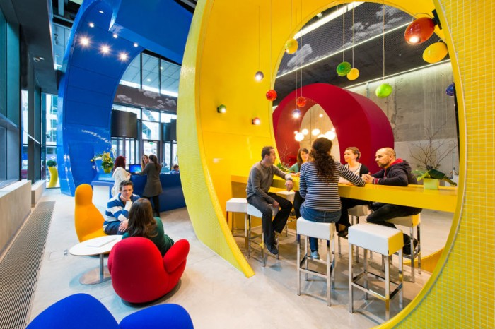 Google Offices and Employees Collaborating